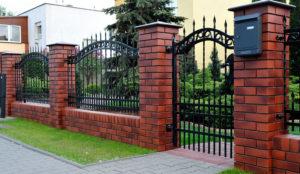 Symboliczne znaczenie ogrodzeń